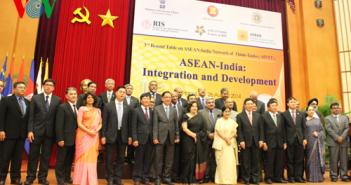Đại diện ngoại giao các nước ASEAN và Ấn Độ tại Hội nghị bàn tròn AINTT lần 3